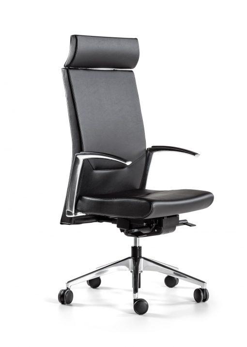 sillón negro con base y brazos de aluminio