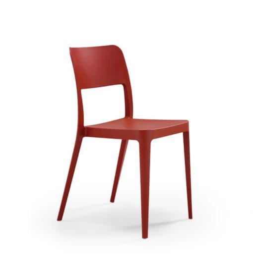 silla madera color rojo cuatro patas