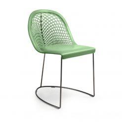 silla de cuero verde con base varilla