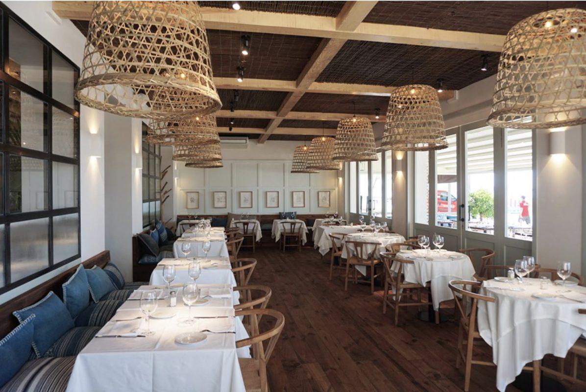 Sillas proyecto sit down restaurante Mundet